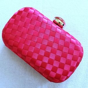 KATE LANDRY  Pink weave satin clutch